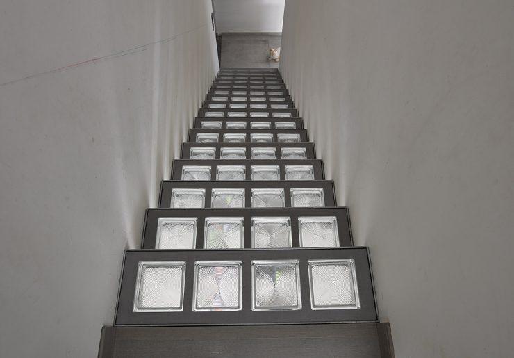 Escaliers avec des carreaux de verre